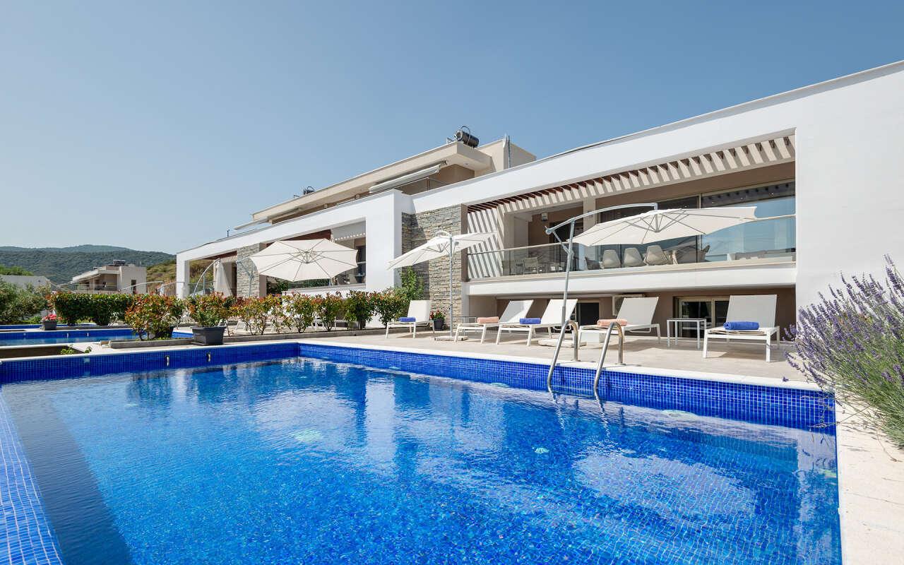 Afisia Parvus Pool Villa I, Sarti