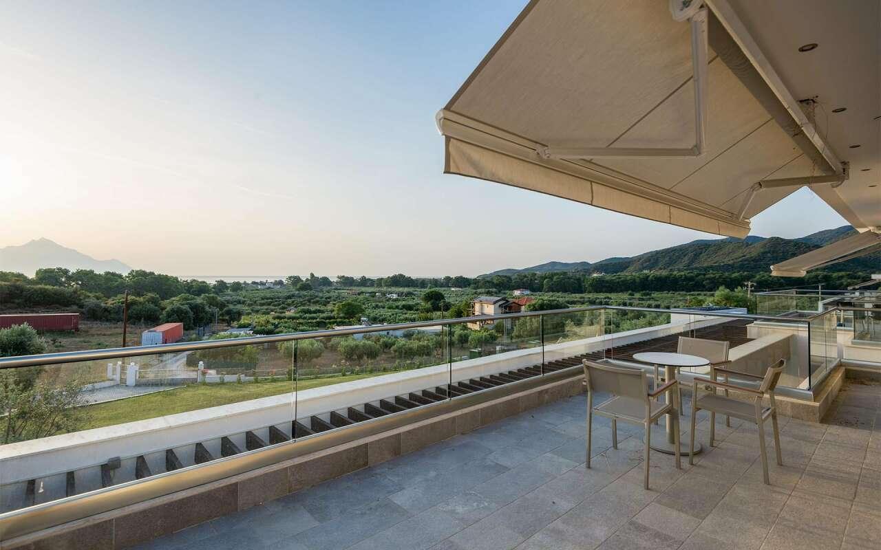 Afisia Magnum II Pool Villa, Sarti