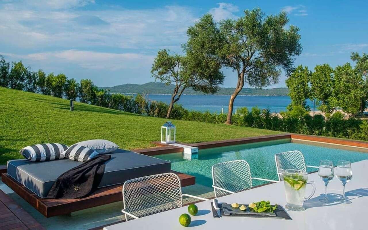 Avaton Presidential Private Pool, Nea Roda