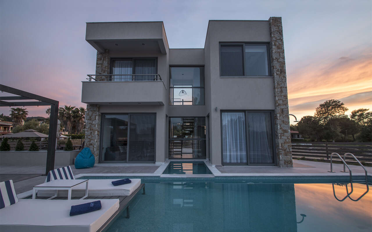 Ocean Villa Ithaca with private pool, Pefkohori