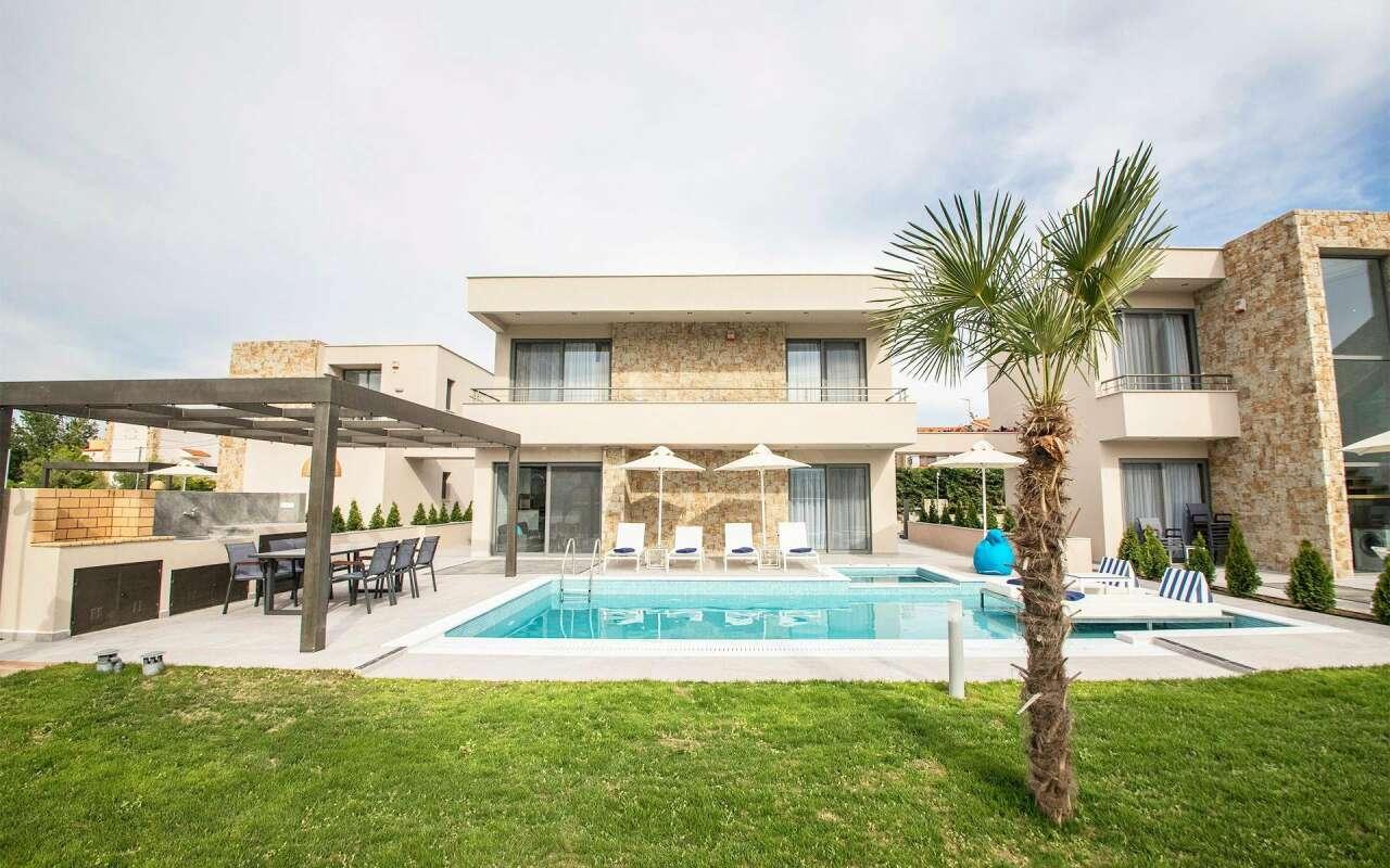Ocean Villa Kirki with private pool, Pefkohori
