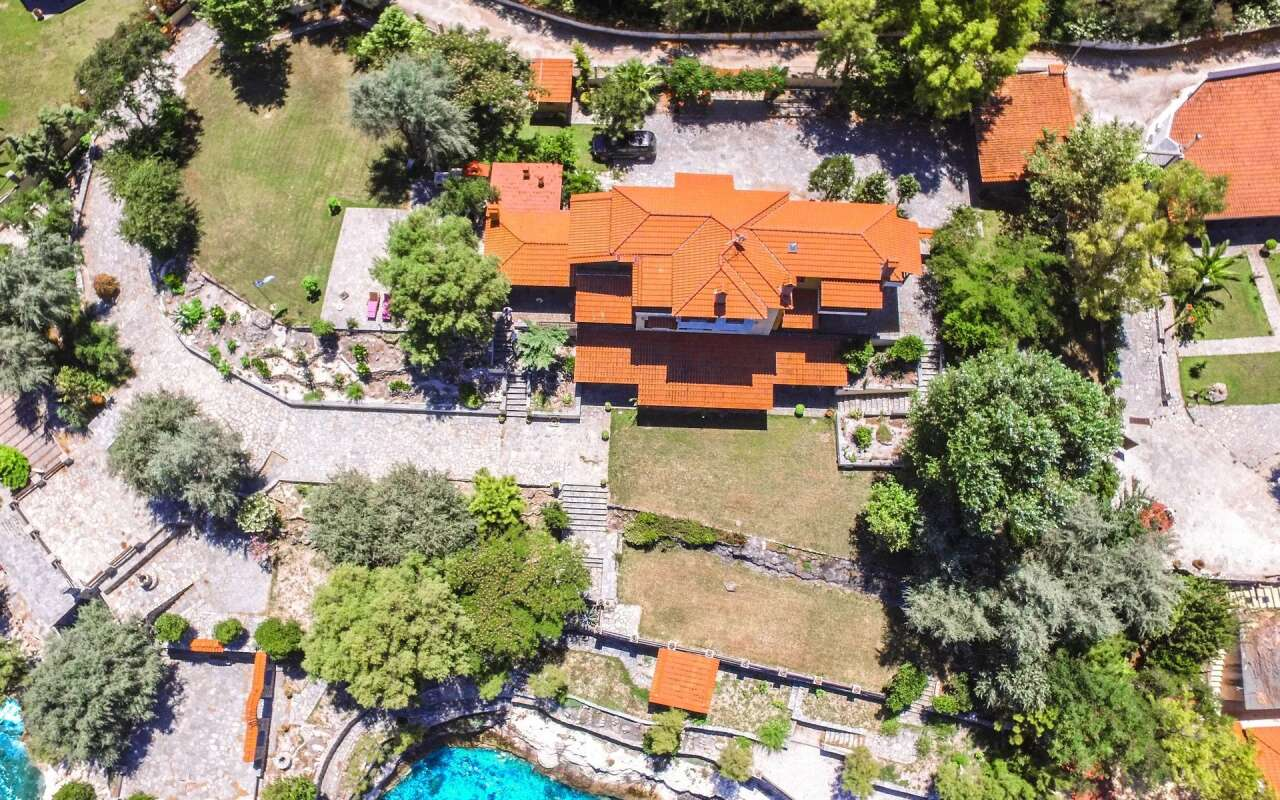 Kiparissi Sea Front Villa, Ierissos