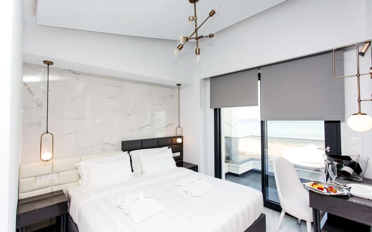 Crystal  Luxurious Villa Sea Front,  Polychrono
