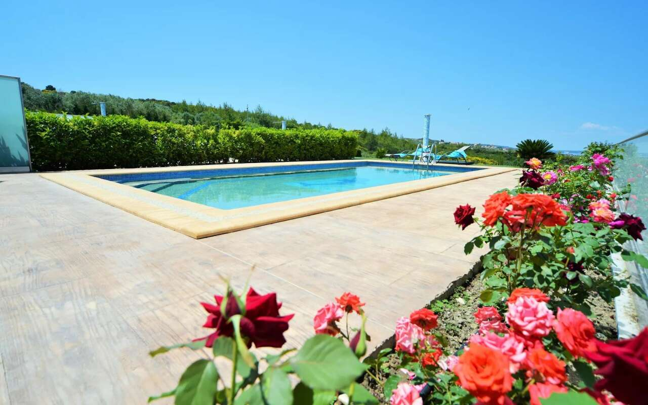 Golden Private Pool Villa, Hanioti
