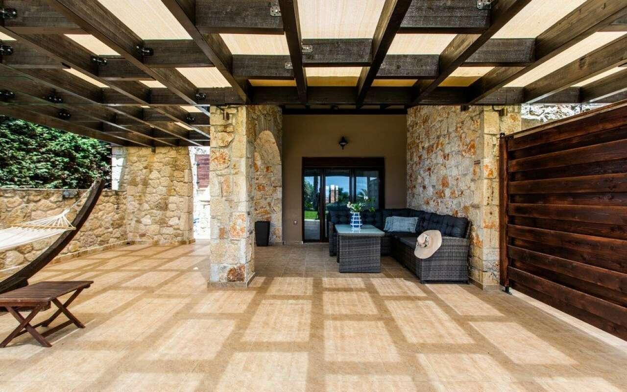 Nefeli Maistros Villa with Private Pool, Nea Skioni