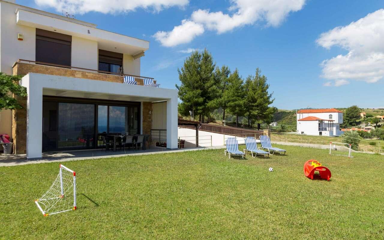 Villa Rossa, Hanioti