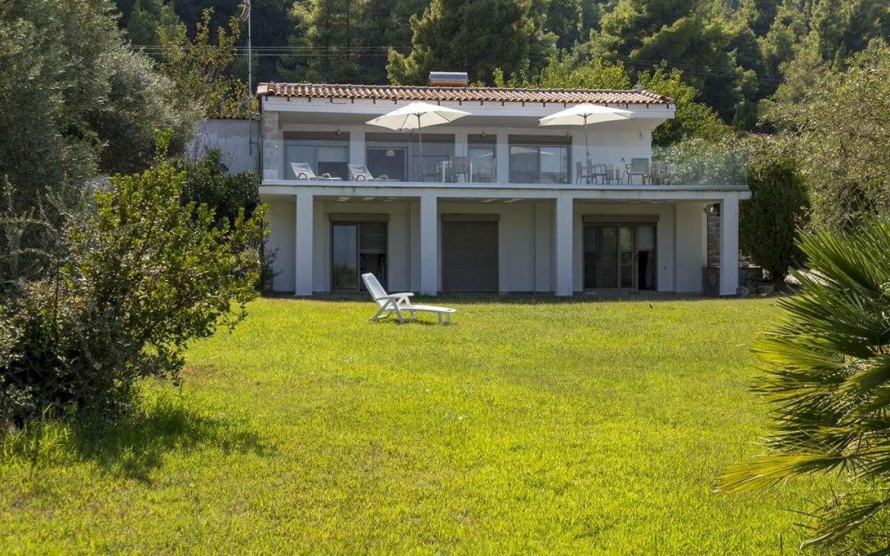 Villa Vista, Polichrono